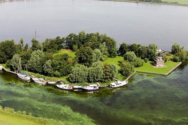 Luchtfoto Eiland de Nes